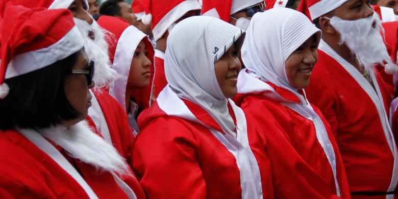Jilbab santa in Manado